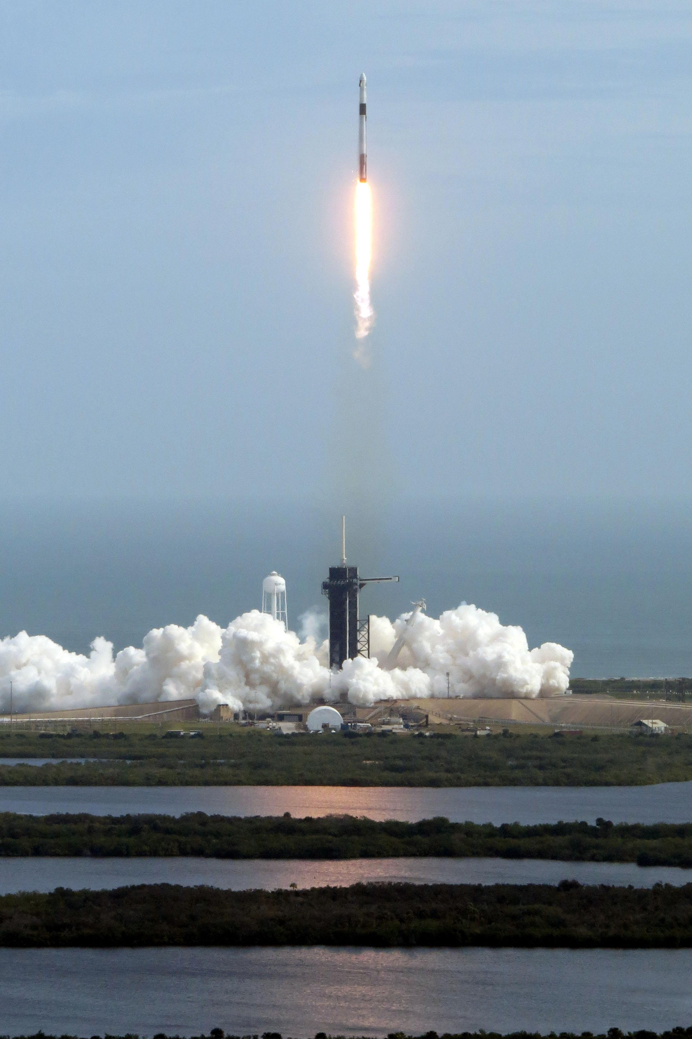 SpaceX Crew Dragon Aces High-Altitude Abort Test | Aviation Week Network
