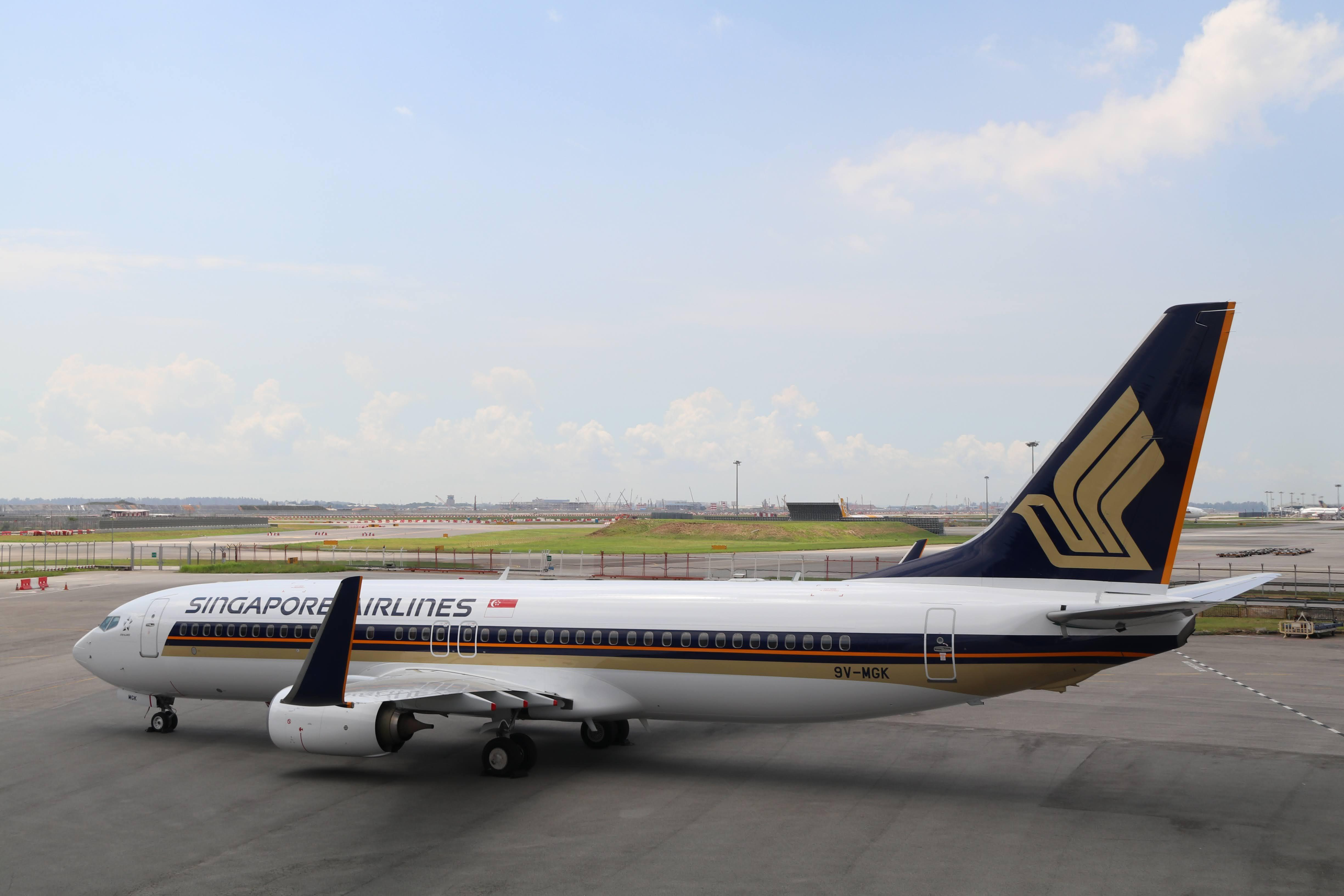 Singapore Airlines Boeing 737-800